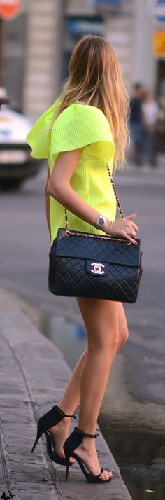 Street Style At Paris Fashion Week Chanel & Neon ohhhh to have a Chanel bag