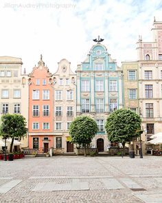 Sweet Gdansk LOCATION: Gdansk, Poland ABOUT: The city of Gdansk, Poland is so lovey! Located on the Baltic Sea, the buildings are beautiful and brightly colored Travel Photography Tumblr, Photography Beach, Old Building Photography, Pastel Photography, Landscape Photography, Street Photography, Photography Ideas, Pastel Decor, Places To Travel