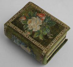 BEAUTIFUL GENUINE ANTIQUE VICTORIAN SEWING NEEDLE CASE BOX c1870