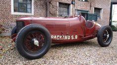 Magnificant Pachard S8 from 1929. Aluminium body, leather bucket seats, in line 8 cilinder engine (5363cc), hydraulic brakes, 12V, vented drumbrakes, etc... The car is street legal. Original registration documents comes with the car. FIA papers are also possible to obtain.