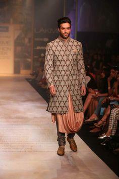 Shantanu-Nikhil-Lakme-Fashion-Week-Summer-2014-peach-sherwani www.chimoraprint.com