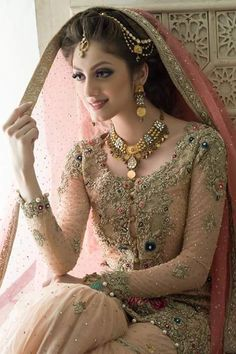 Ideas for wedding indian dress combinations pakistani bridal 25 Pakistani Wedding Outfits, Pakistani Wedding Dresses, Bridal Outfits, Indian Dresses, Dulhan Dress, Bridal Dress Design, Bridal Style, Bridal Photoshoot, Bridal Pics