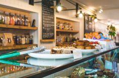 Culy was in Londen en bezocht samen met Ella Mills - Deliciously Ella - Mae Deli in de Londense wijk Marylebone. Hier geniet je van puur en eerlijk eten.