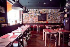 Les Fils à maman   29, rue Fourmois   1050 Ixelles (Bruxelles)   Belgique  > Brunch  Au menu : smoothie, boisson chaude, et un plat (un vrai) + un dessert. Le tout ponctué des marques de notre enfance (petit Lu, Nutella, Carambar...) Ok, ça coûte 20€. Mais c'est un vrai plaisir!