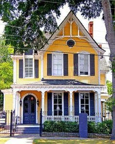 Yellow and blue house. Pretty. Yellow Cottage, Exterior Colors, Blue Yellow, Shades Of Blue, Curb Appeal, Foyer, The Outsiders, Blueberry, Cottages