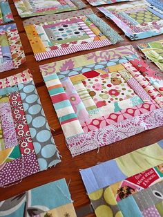 The Artwork of Rustic Houses Scrappy log cabin problem blocks Patchwork Quilting, Scrappy Quilt Patterns, Log Cabin Quilt Pattern, Log Cabin Quilts, Scrappy Quilts, Easy Quilts, Mini Quilts, Strip Quilts, Quilt Blocks