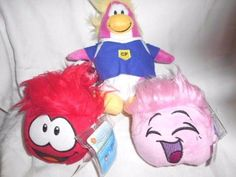 Club Penguin - Disney Penguin & 2 Puffles (with coin) Club Penguin, Movie Characters, Fictional Characters, Penguins, Princess Peach, Christmas Ornaments, Retro, Toys, Penguin