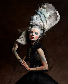 Dark and decadent Marie Antoinette - Fashion photography by Vincent Alvarez Foto Fashion, Fashion Art, Editorial Fashion, Trendy Fashion, Fashion Show, Male Fashion, Urban Fashion, Mode Rococo, Mode Baroque