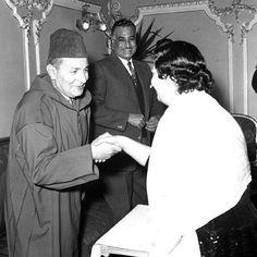 الزعيم جمال عبد الناصر و الملك محمد الخامس يستقبلان السيدة ام كلثوم