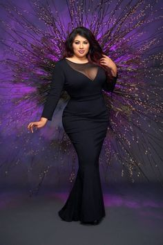 Pinup Girl Clothing collaborated Elvira, Mistress of the Dark on a fashion line — and it's great. Plus Size Fashion For Women, Curvy Women Fashion, Elvira Costume, Plus Sise, Pinup Girl Clothing, Costume Dress, Cosplay Costumes, Pin Up Girls, Black Tie