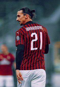 Ibrahimovic Wallpapers, Milan Wallpaper, Fc Chelsea, European Soccer, Don Juan, Soccer Stars, Zinedine Zidane, Ac Milan, Tottenham Hotspur