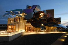 Top 30 World's Weirdest Hotels … Never Seen Before! ... hotel-marques-de-riscal-01 └▶ └▶ http://www.pouted.com/?p=30907