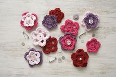 60 FREE crochet flower patterns for every season of the year