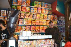 Cakeyboi visits the Cereal Killer Cafe
