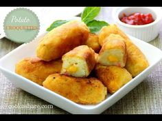 Potato croquettes are a great way to use up leftover mashed potatoes. You can also make them from scratch. We have a great recipe for mashed potatoes in our perogies recipe Veggetti Recipes, Spiralizer Recipes, Zucchini Spiralizer, Zucchini Noodles, Leftover Mashed Potatoes, Mashed Potato Recipes, Zucchini Dinner Recipes, Recipe Zucchini, Recipes Dinner