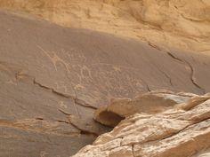 6000 solcher Inschriften hat man im Wadi Rum gefunden. Wadi Rum, Hats For Men