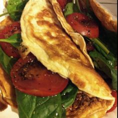 "4/6 dinner: protein ""pita"" sandwiches: ""pitas"" (1/2c egg whites mixed with 1/2 scoop vanilla whey, cooked thinly in a pan like a pancake. Let cool and use as bread) filled with baby spinach, tomato slices, balsamic vinegar, pepper. 260 cal, 26g protein."