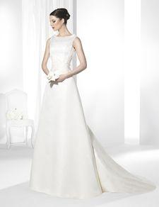 Trajes de novia línea clásica confeccionado en Otomán Realce.