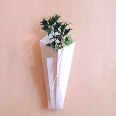 節分・柊 Flower Power, Origami, Diy Crafts, Vase, Japanese, Display, Seasons, Spring, Interior