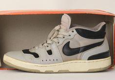 sneakerpedia-x-sneaker-news-editors-grails-aaron-kr-3.jpg (570×394)