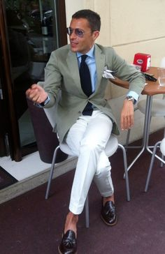 Cool & Chic Style to dress italian II° Italian Mens Fashion, Best Mens Fashion, Italian Style Men, Men's Fashion, Stylish Jackets, Stylish Men, Men Casual, Moda Men, White Slacks