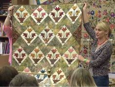 backdoorquilts: Edyta's visit part Quilts Quilting Projects, Quilting Designs, Quilting Ideas, Laundry Basket Quilts, Laundry Baskets, Pineapple Quilt, Flower Quilts, Miniature Quilts, Scrappy Quilts
