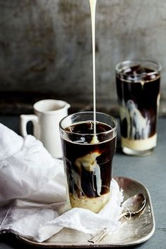14 Recipes Every Coffee Lover Needs To Try: Ultimate Iced Coffee. For more ideas, click the picture or visit www.sofeminine.co.uk #coffeelovers