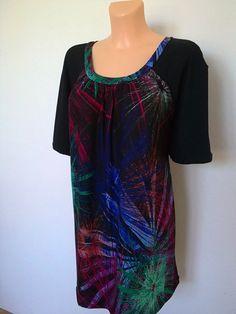 Tričko-ohňostroj Tričko ze 2 podobných úpletů,,,přední díl je viskozový s potiskem,raglánové rukávy a zadní díl je černý,elastická BA...praní na 30st. Prsa-136cm Boky-145cm Dlouhé-78cm Rukávy-délka-35cm(od krku) Velikost: 54-56(58) Tie Dye, Women, Fashion, Moda, Fashion Styles, Tye Dye, Fashion Illustrations, Woman