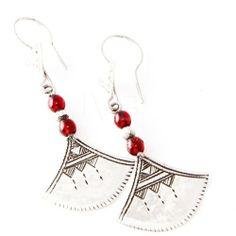 Laoula - bijoux Touareg en argent et agate rouge Laoula, http://www.amazon.fr/dp/B004FD7R2M/ref=cm_sw_r_pi_dp_68kYsb00XRSG8