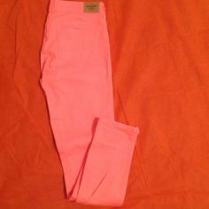 A&F Pants ON HOLD Abercrombie and Fitch pants. 4R. W27, L29. Abercrombie & Fitch Pants Skinny