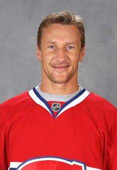 Alex Kovalev : Alekseï Viatcheslavovitch Kovaliov est originaire de Togliatti en Union Soviétique, aujourd'hui ville de Russie. Il est le premier joueur russe à avoir été repêché en première ronde du repêchage de la Ligue Nationale de Hockey. En 1991, il fut sélectionné en 15e position derrière les joueurs vedettes Peter Forsberg, Scott Niedermayer et Eric Lindros. Le 13 mars 2004, Kovalev se joint à l'organisation du Canadien de Montréal suite à une transaction avec les Rangers de New-York.