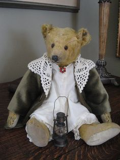 (1920) Steiff Button Florence. Sue Howard – Grandma's Teddies Old Teddy Bears, Antique Teddy Bears, Love Bears All Things, Bear Doll, Bear Cubs, Soft Dolls, Brown Bear, Animals, Florence