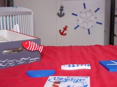 It is a sailor's theme for Nela's room. We help to create original baby spaces to the Moms