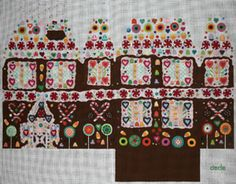 ED-18065 Gingerbread House Pillow