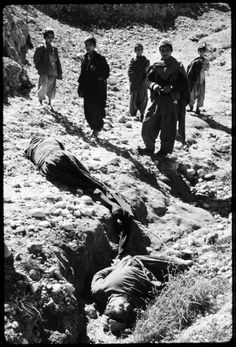 Two government collaorators executed by Mujahadeen near Jalalabad - Afghan Mujahideen During The 19791980 18  Best of Web Shrine