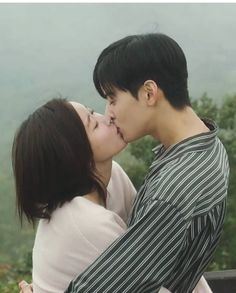Hug Pose, Korean Drama Movies, Korean Dramas, Cha Eunwoo Astro, Best Kdrama, Cha Eun Woo, Kpop, Couple Goals, Love Story