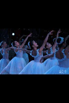 pnb nutcracker   Snow - Pacific Northwest Ballet