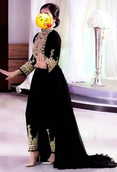 #afghan #style #dress Indian Bridal Outfits, Pakistani Outfits, Indian Dresses, Lovely Dresses, Stylish Dresses, Fashion Dresses, Gala Dresses, Modest Dresses, Afghan Wedding Dress