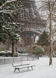 a snowy day in paris