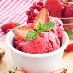 This strawberry frozen yogurt recipe is to be made in an ice cream maker.. Strawberry Frozen Yogurt Recipe from Grandmothers Kitchen.