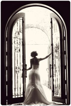 Stunning bride posing in from of the famous Villa Siena front doors