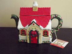 MARY-ENGELBREIT-2000-CHEERY-CHRISTMAS-COTTAGE-TEAPOT-with-Label---- I LOOOOOOOVE this one! My favourite!!!