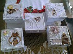 EMBELLISHED GIFT BOXES