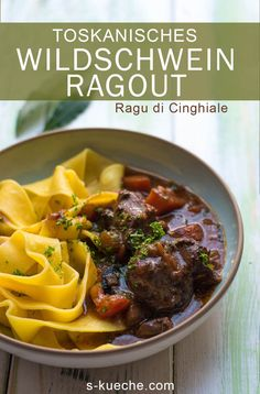 Tuscan wild boar ragout, ragu di cinghiale, tender meat in sensational sauce - recipe for an all-season venison dish from Italy boar dish gerichte meat cuts dishes loaf recipes Sauce Recipes, Crockpot Recipes, Dog Food Recipes, Sausage Pasta Sauce, Butternut Squash Pasta Sauce, Homemade Dog Food, World Recipes, Greek Recipes, Winter Food