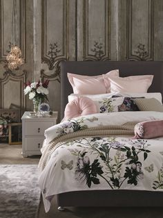 Classically feminine in florals and pale pinks, this bedding set is perfect for all year round. Pink Bedding Set, Best Bedding Sets, Bedding Sets Online, Luxury Bedding Sets, Comforter Sets, Boudoir, Bed Linen Sets, Cool Beds, Luxurious Bedrooms
