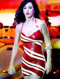 Katy Perry Latex Dress. Una de las cantantes de moda actual, y una de mis favoritas...