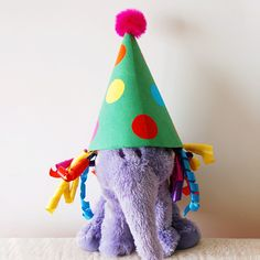 Create a cone-shaped clown hat with a fun mop of colorful curly hair made out of ribbons. Mothers Day Crafts For Kids, Fun Crafts For Kids, Clown Hat, Hat Template, Funny Hats, Hat Tutorial, Paper Cones, Hat Crafts, Crepe Paper
