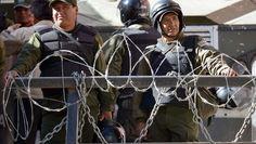 Policías bolivianos durante una protesta (AIZAR RALDES/AFP/Getty Images)El comandante general de la Policía anunció el plan este martes. El plan entrará en vigencia pronto(CNN Español) - La Policía de Bolivia se alista para poner mano dura contra el sobrepeso y la mala condición física de sus agentes.Así lo anunció el comandante general de la Policía Rino Salazar este martes cuando desde La Paz presentó el nuevo Plan de Reacondicionamiento Físico...