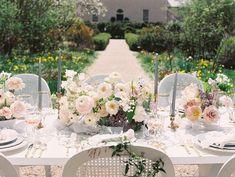Wedding Table Settings, Wedding Reception Decorations, Flower Centerpieces, Wedding Centerpieces, Centrepieces, English Flowers, Spring Nature, French Wedding, Dc Weddings