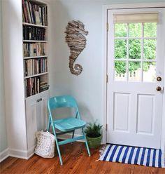 DIY driftwood decor ideas for a sea-inspired home decor Diy Garden Decor, Diy Home Decor, Room Decor, Driftwood Seahorse, Driftwood Mirror, Seahorse Decor, Diy Casa, Appartement Design, Up House